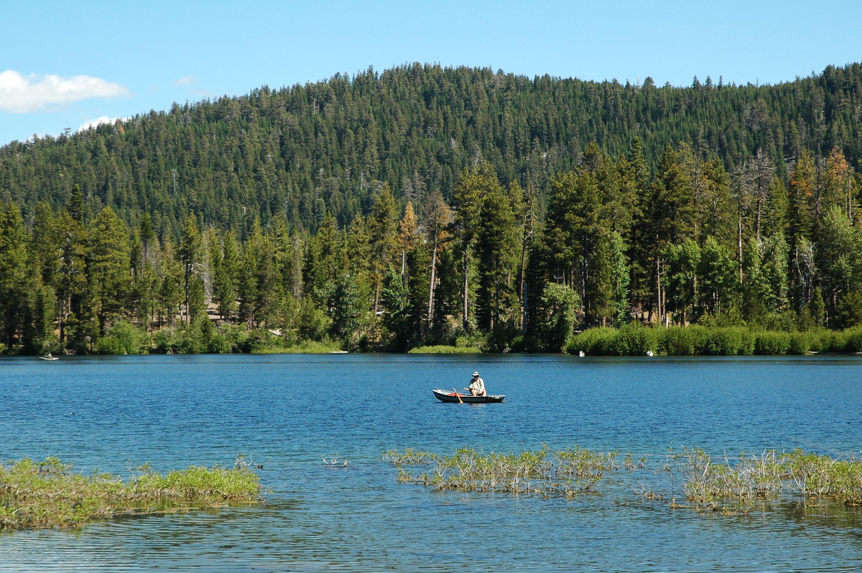 File:Fishing on Manzanita Lake.jpg - Wikimedia Commons
