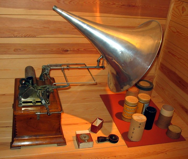 Phonographe Edison. Photo Tomasz Sienicki (GNU)