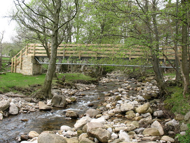 Footbridge over Apedale Beck - geograph.org.uk - 808681