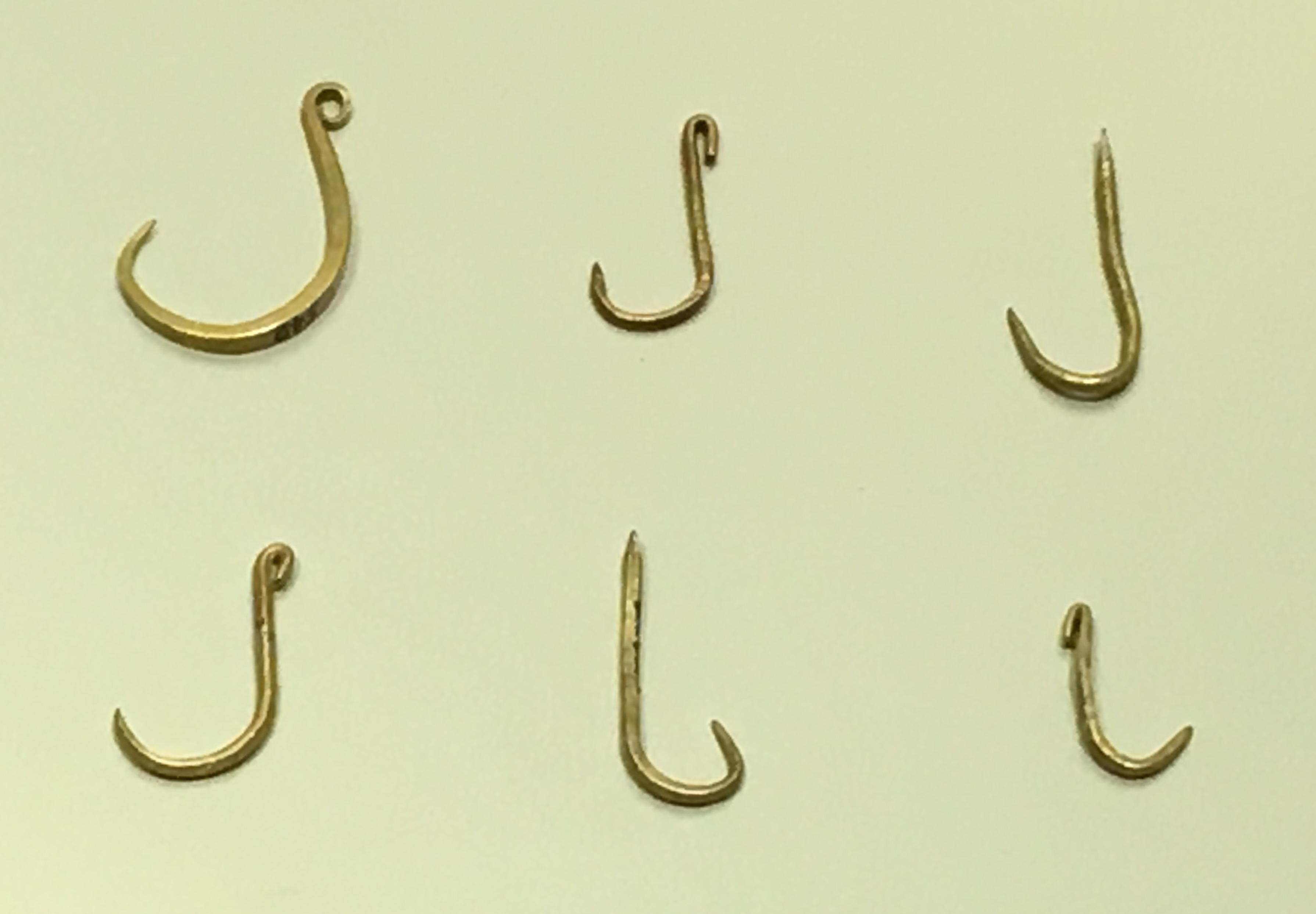 Sea Fishing Hooks Size Chart: Golden Fishing Hooks.jpg - Wikimedia Commons,Chart