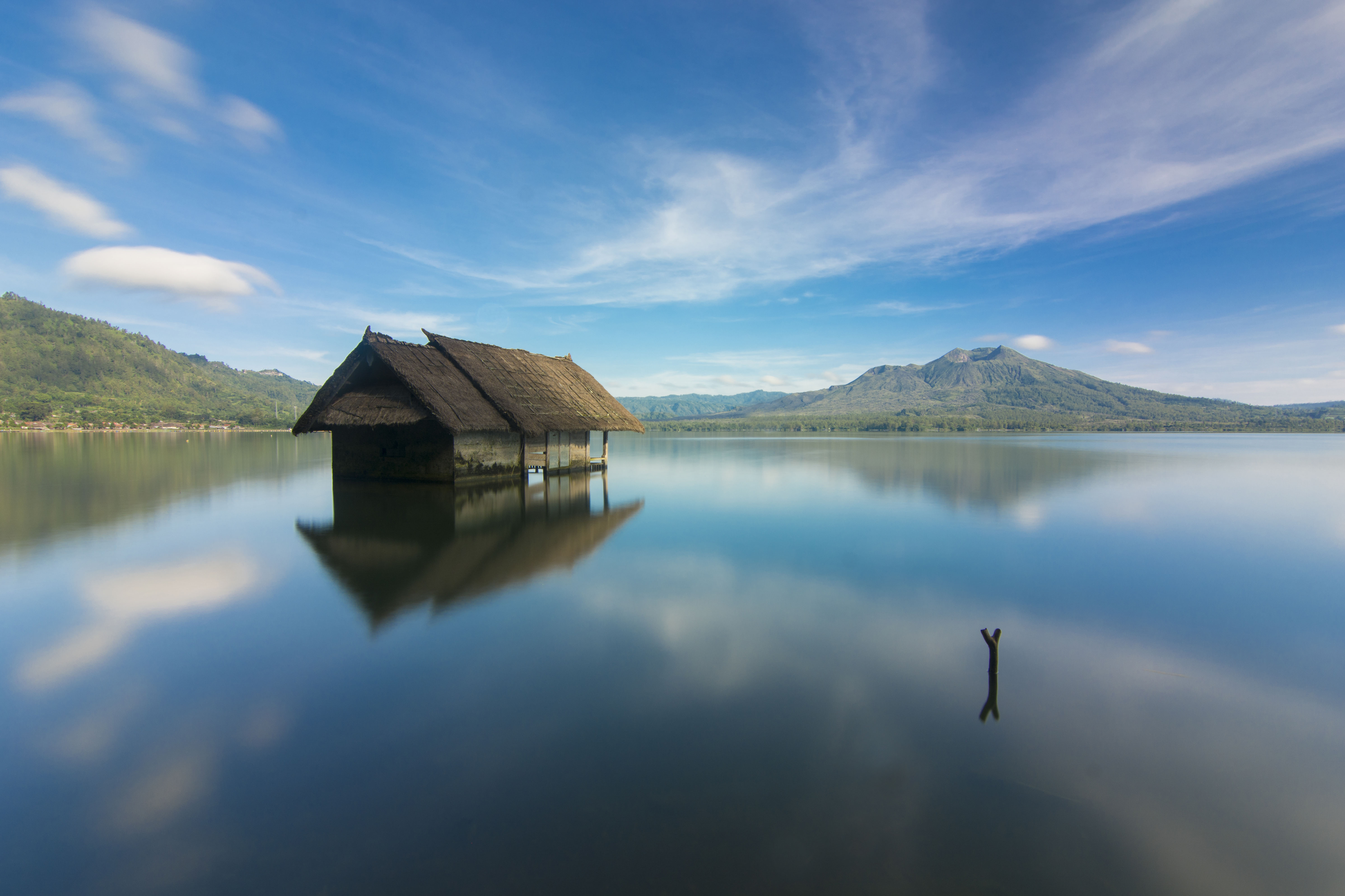 Surabaya ke Bali: Danau dan Gunung Batur