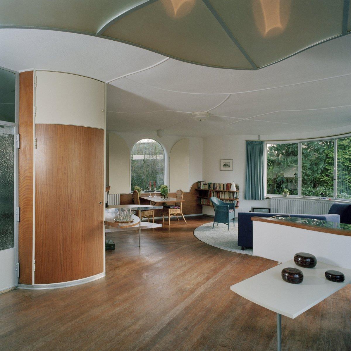 File:Interieur, overzicht woonkamer richting de eethoek en de ...