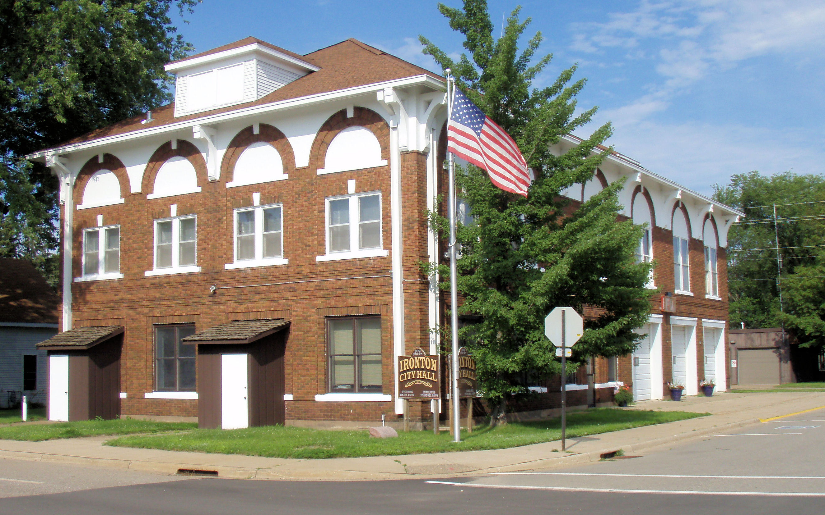 File:Ironton City Hall-3.JPGironton city