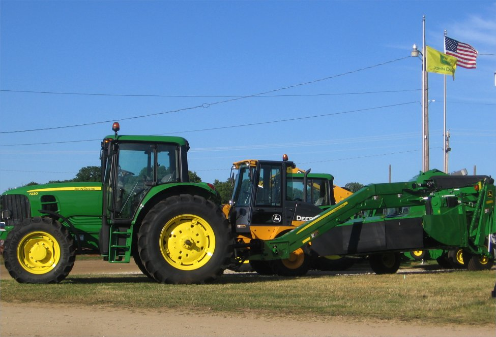 Used John Deere 7230 for sale