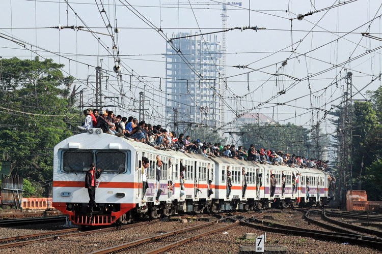 train surfing in indonesia Know before you go get the best indonesia travel and weather info along with  live hd indonesia cams access to the world's best surf forecast team at surfline.