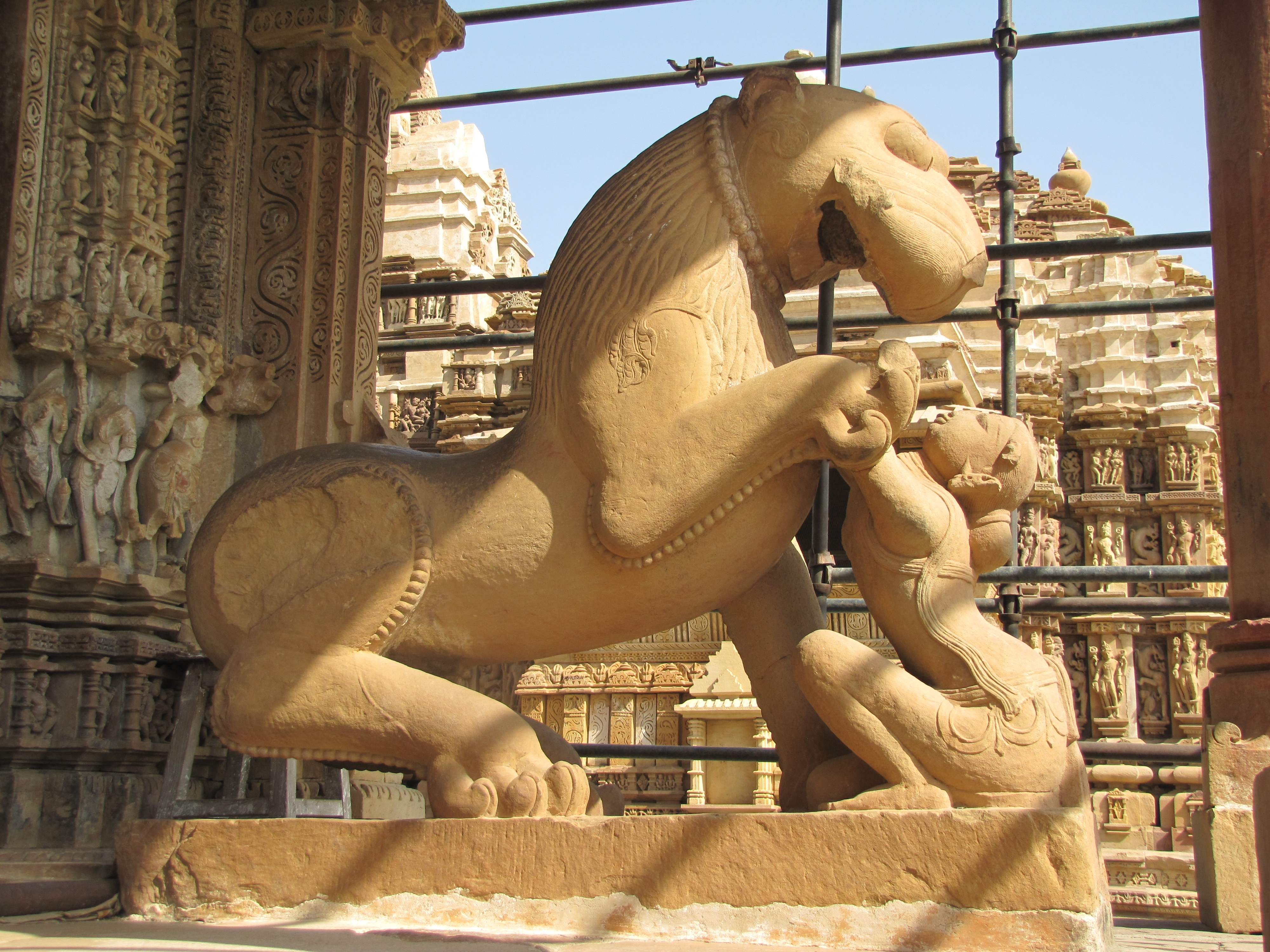 Khajuraho India  city pictures gallery : Description Khajuraho India, Lion Temple,