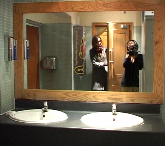 File:Ladies Room by Valentina Ippolito.jpg
