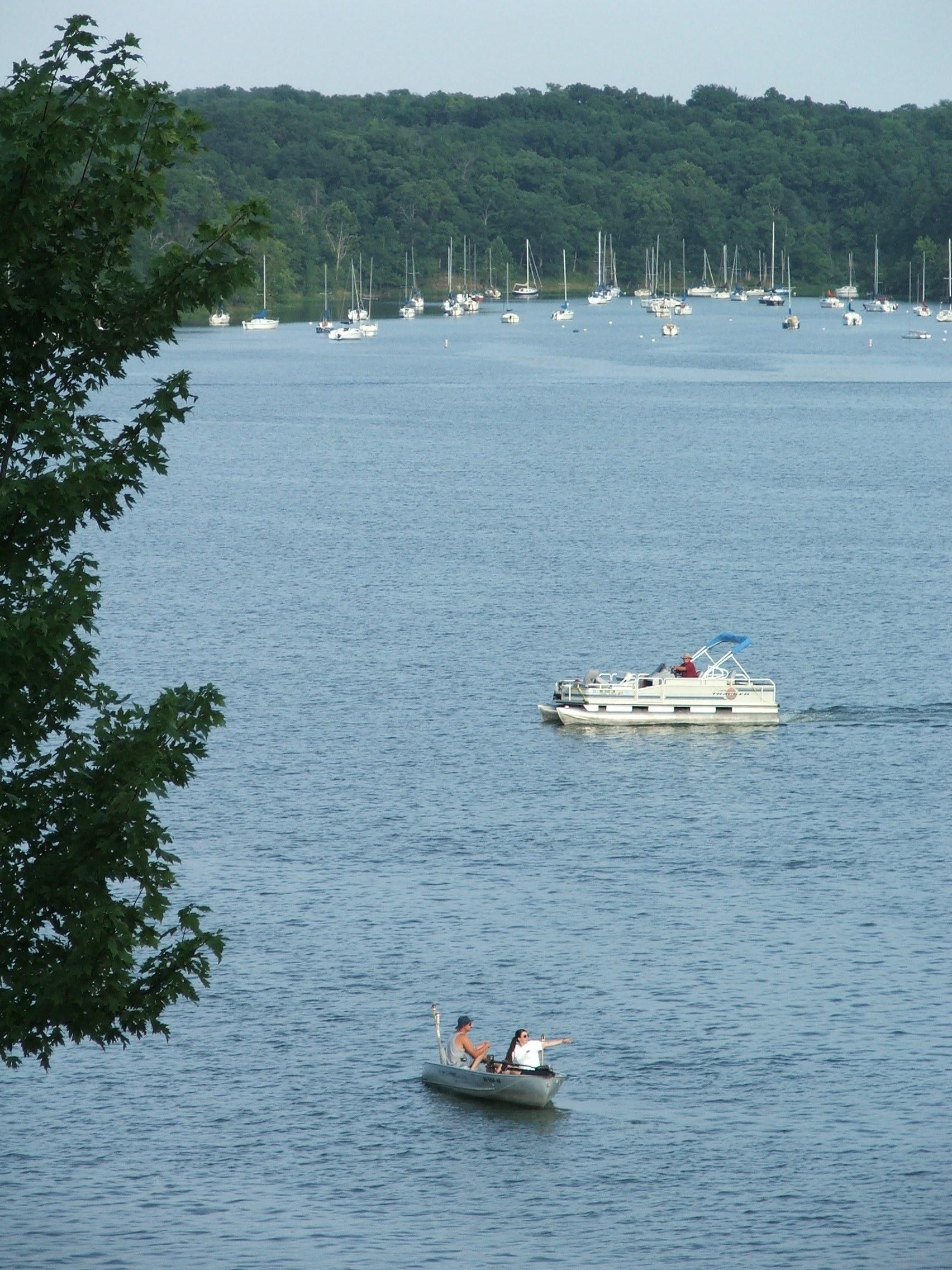Lake jacomo fishing camping sail boats hiking trails for Fishing lakes in missouri