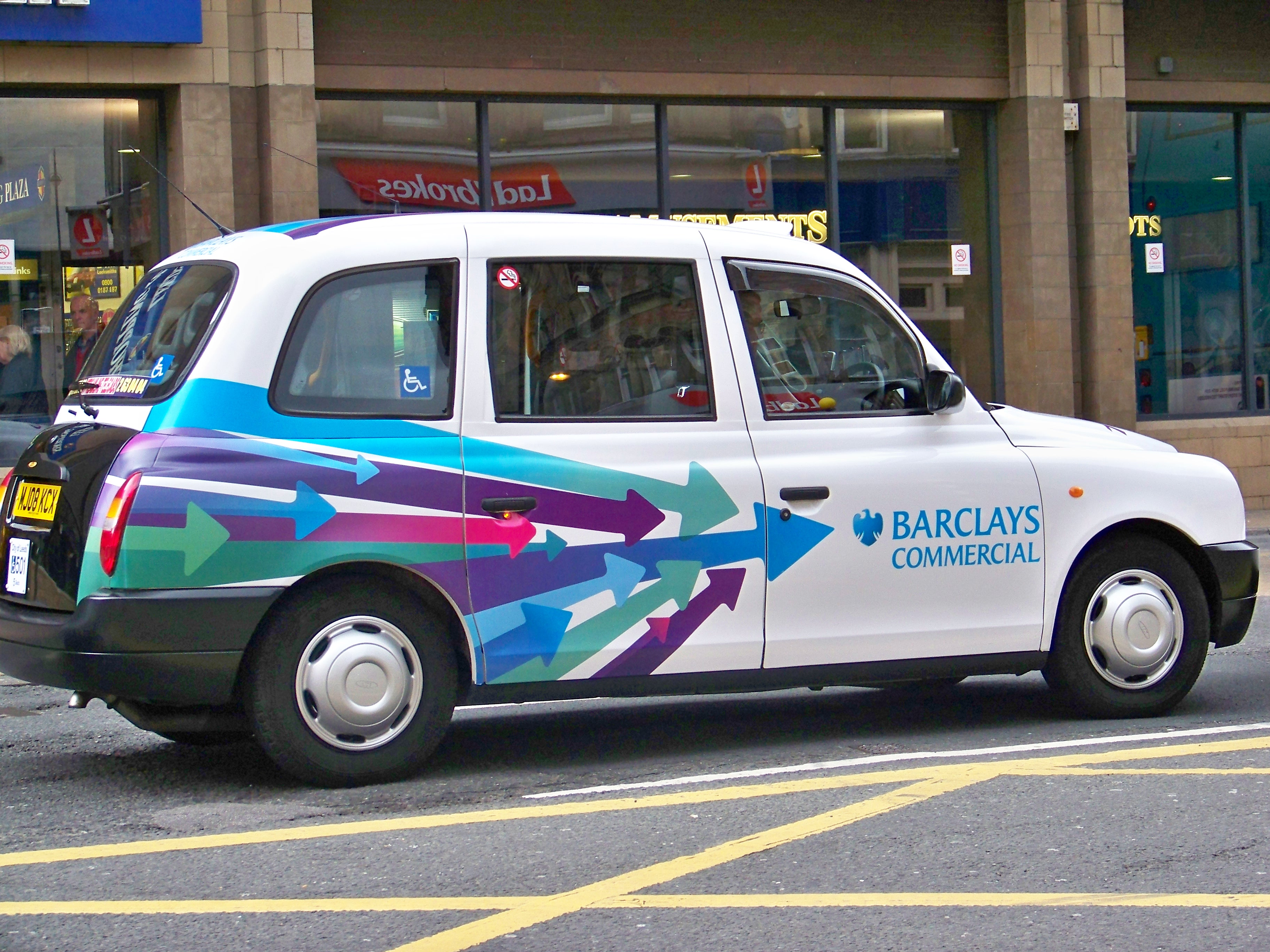 File Leeds Taxi With Barclays Advert Jpg Wikimedia Commons