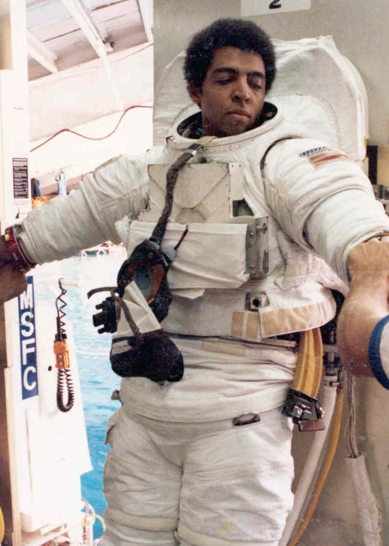 Livingston L. Holder Jr. - Wikipedia
