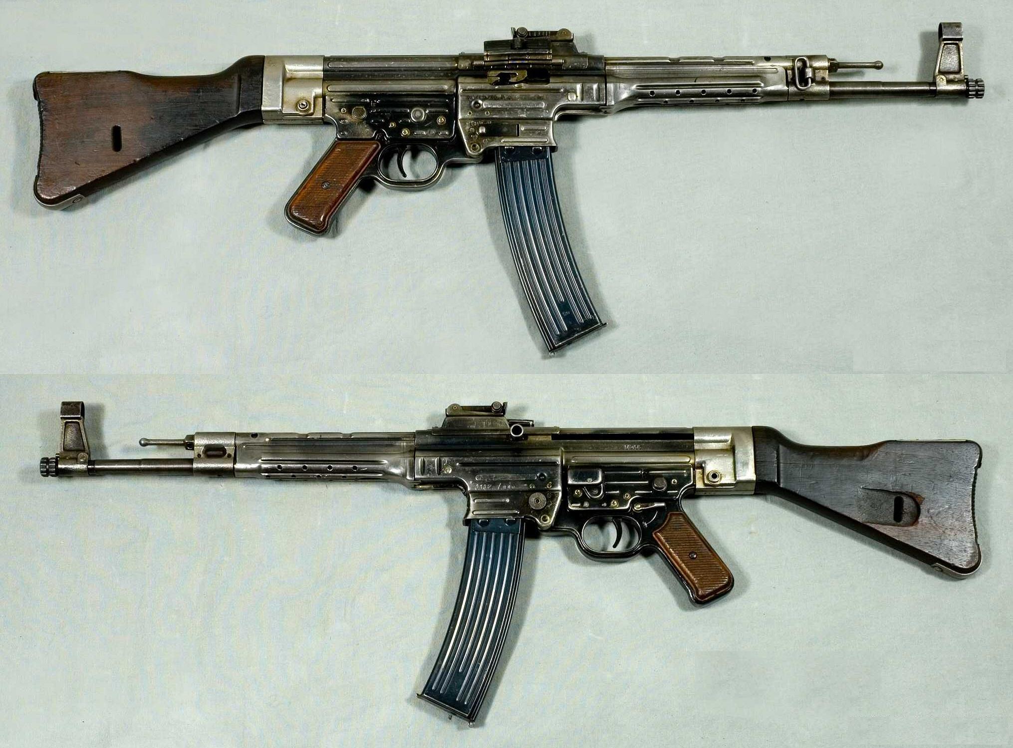 guerra - Curiosidades de la guerra fría: la URSS MP44_-_Tyskland_-_8x33mm_Kurz_-_Armémuseum