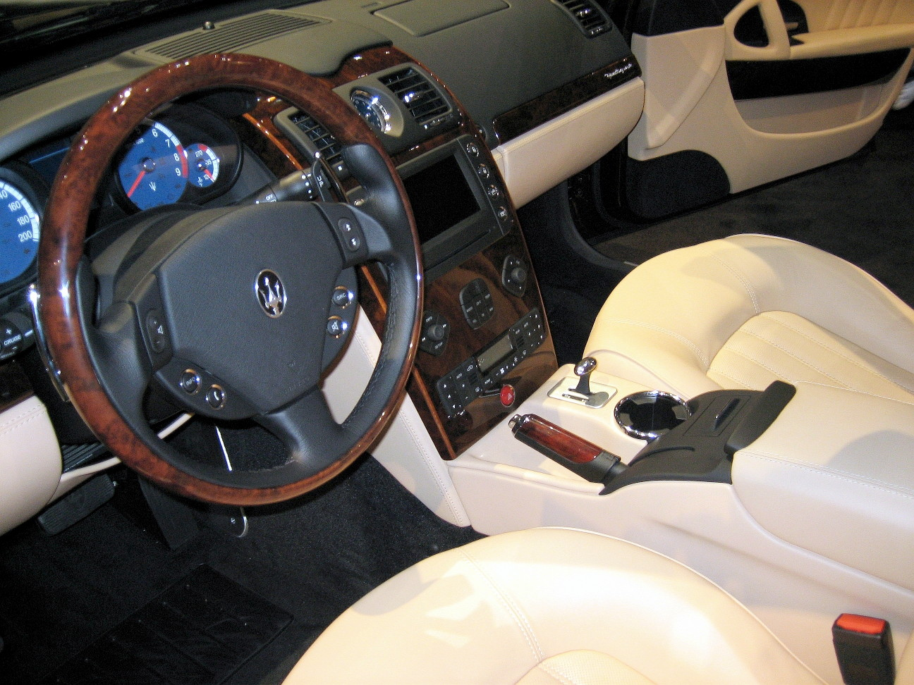 Maserati+quattroporte+interior+photos