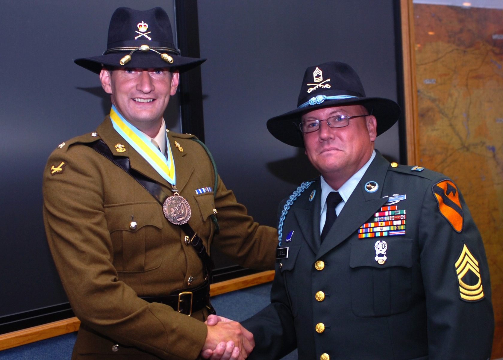 File Master Sgt. Clifford Lindell (1st Cav. Div.) with British Army Maj.  John Russell 2008.jpg d2998b20f2b