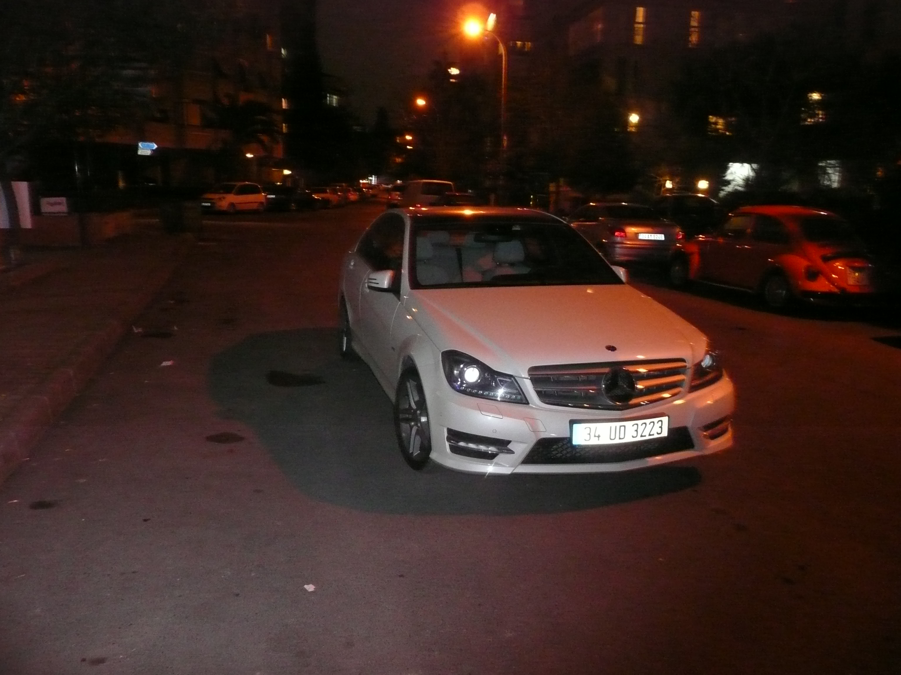file mercedes benz parking 1470303 jpg wikimedia commons