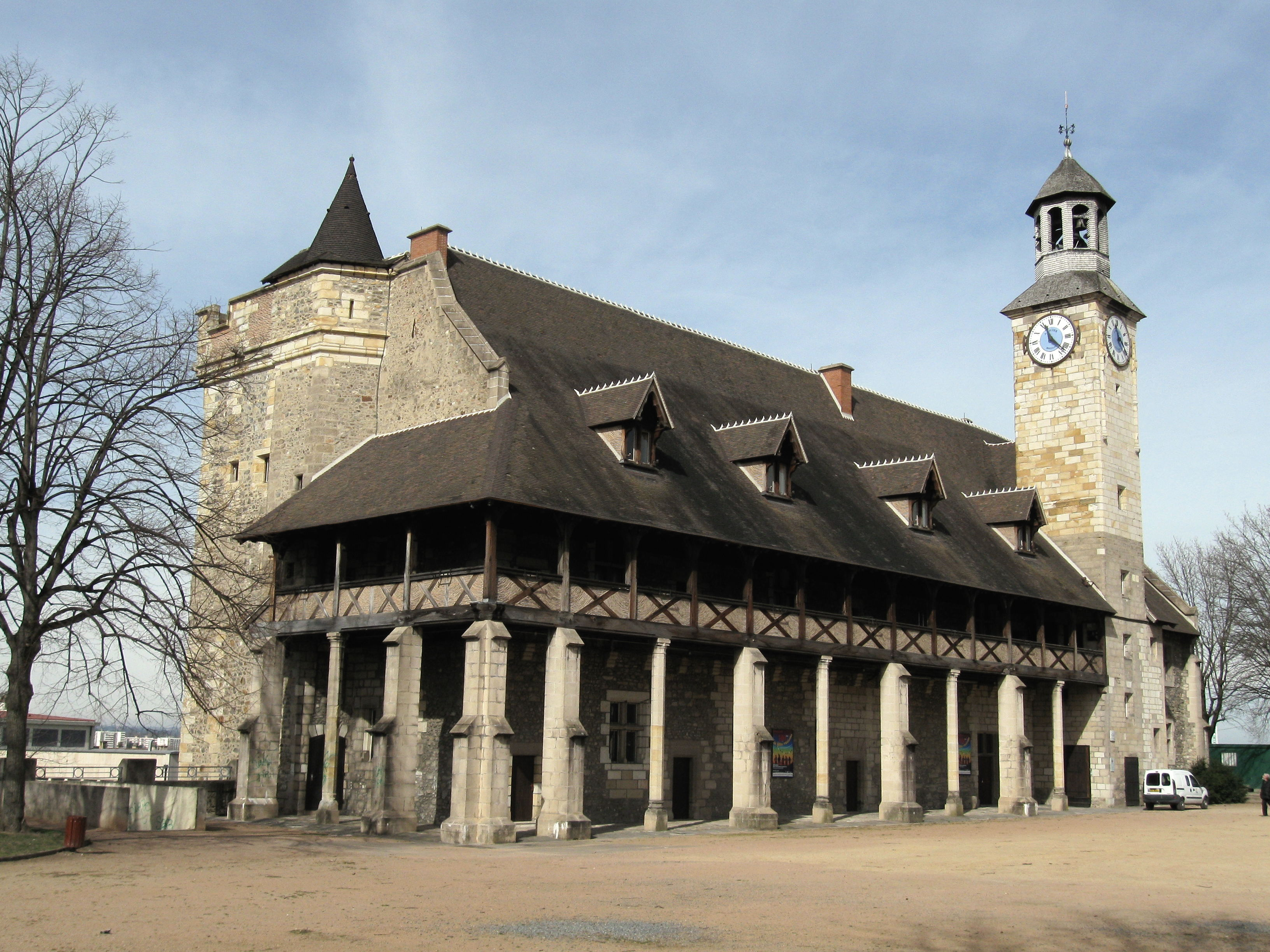 Montlucon France  city pictures gallery : Montluçon château 3 Wikipedia, the free encyclopedia