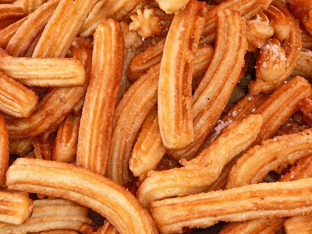File:Multitud de churros.jpg - Wikipedia
