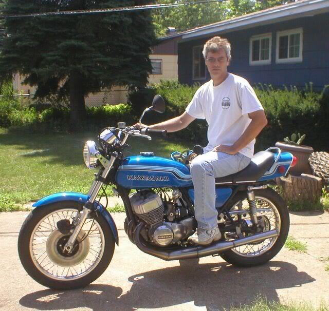File:My 1972 Kawasaki H2 triple..jpg - Wikimedia Commons