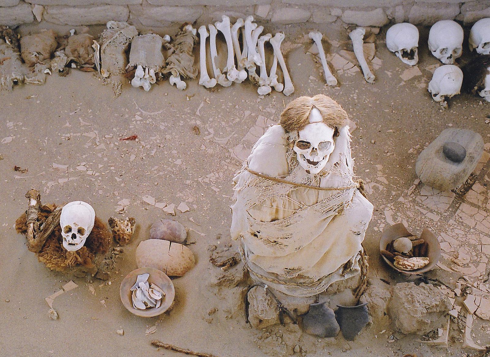 File Nazca Culture Mummies Cemetery In Peru Jpg