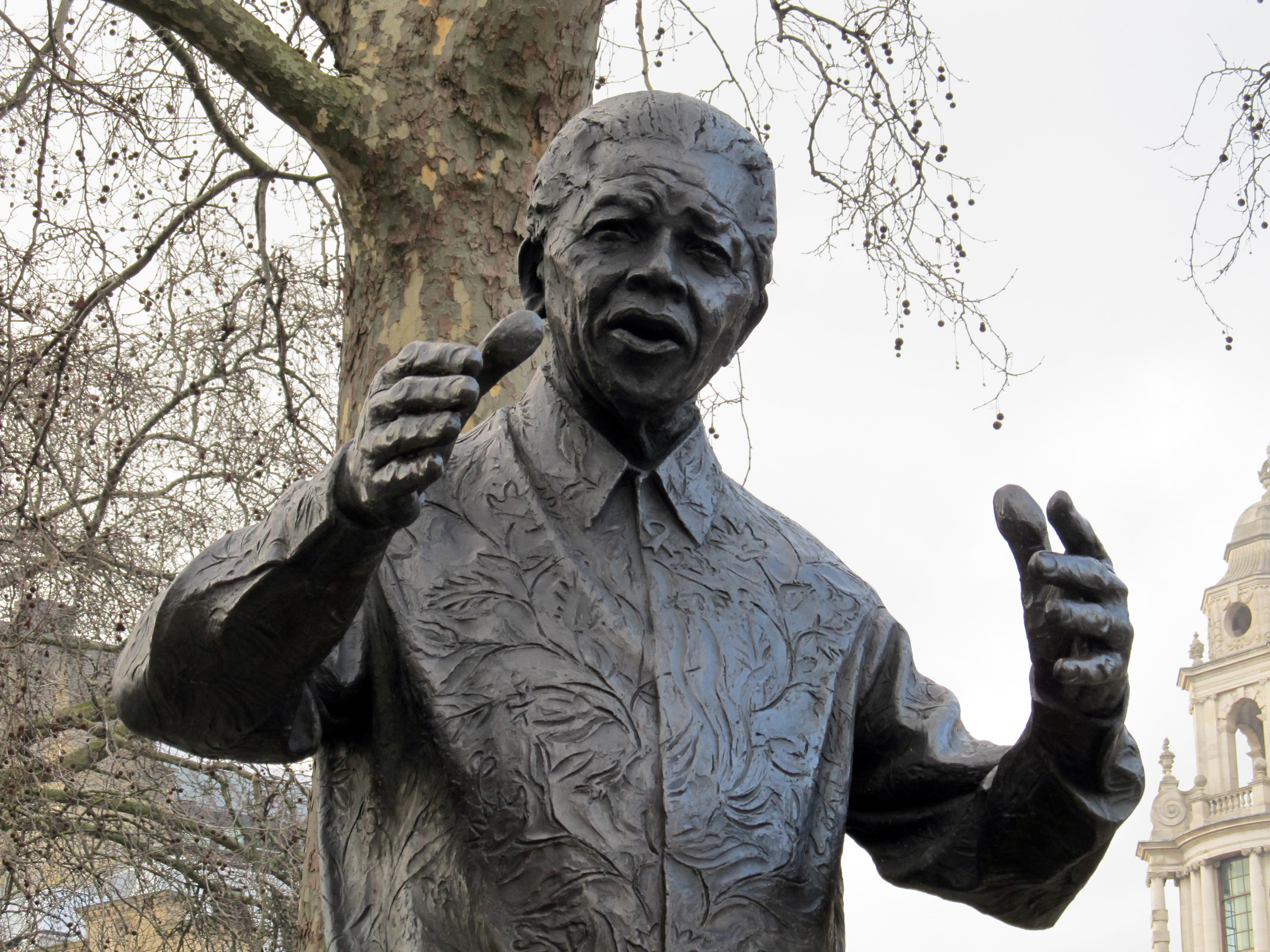File:Nelson Mandela statue, Westminster.JPG - Wikimedia