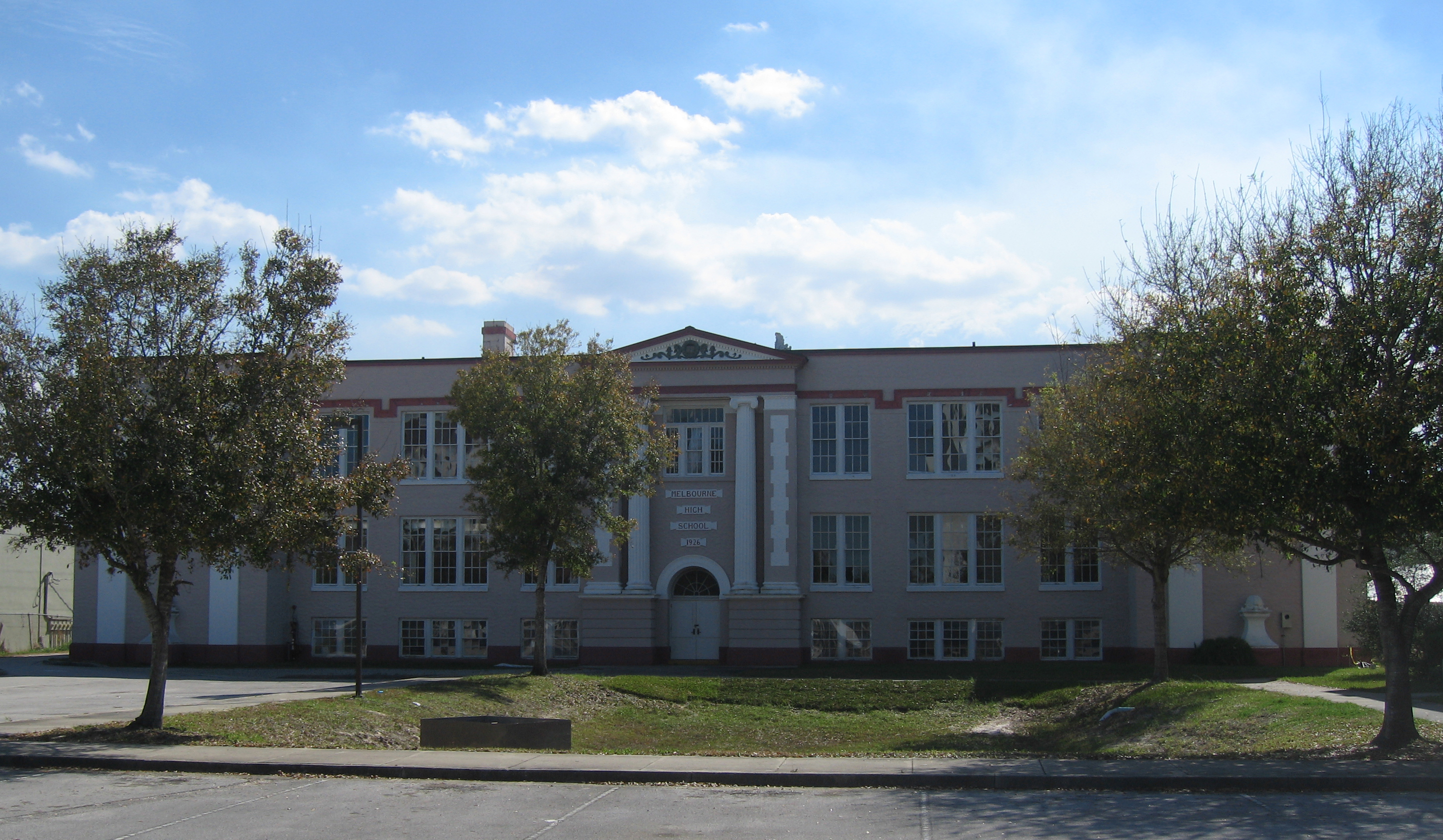 File Old Melbourne High School Florida Front 001 Crop Jpg Wikimedia Commons