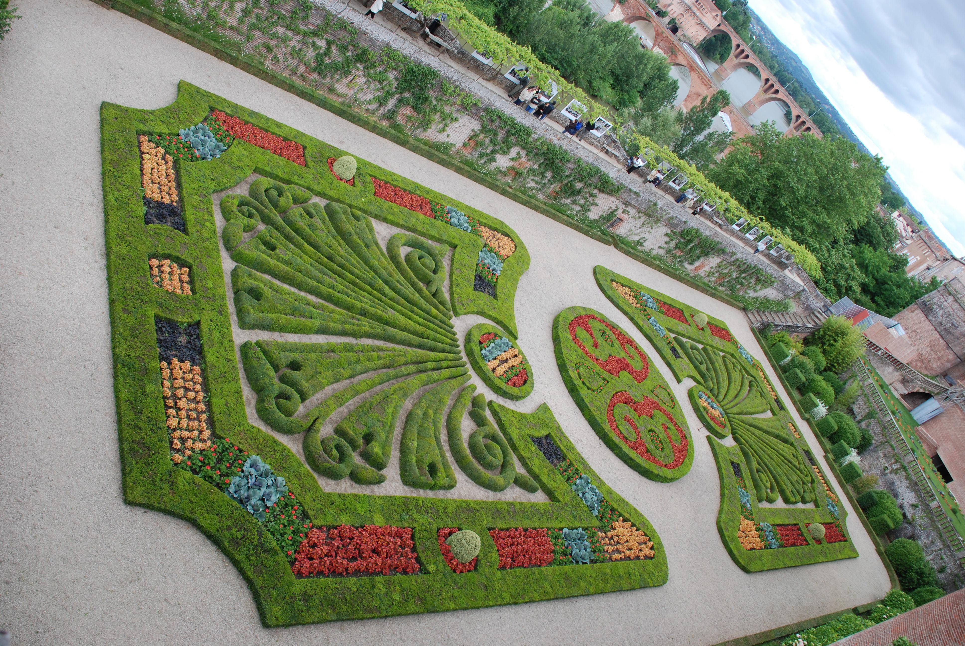 File palais de la berbie albi le wikimedia for Le jardin des 4 saisons albi