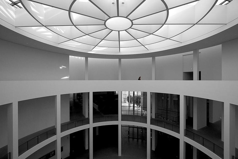 file pinakothek der moderne m nchen lichtkuppel der wikimedia commons. Black Bedroom Furniture Sets. Home Design Ideas