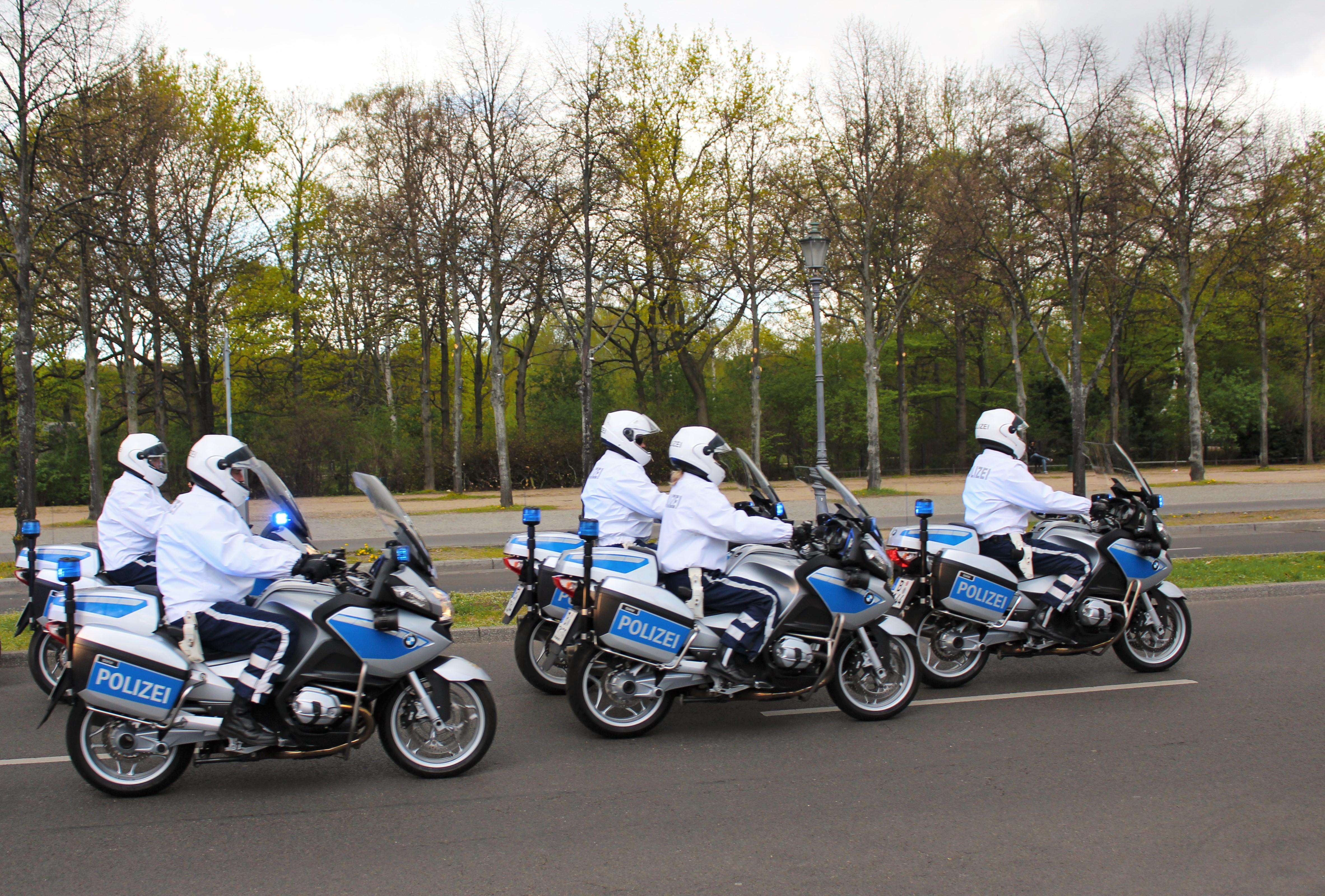 Filepolice Escort In Berlin Germany Jpg