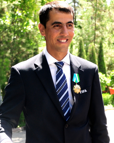 The 41-year old son of father (?) and mother(?) Ravshan Irmatov in 2018 photo. Ravshan Irmatov earned a  million dollar salary - leaving the net worth at 2 million in 2018