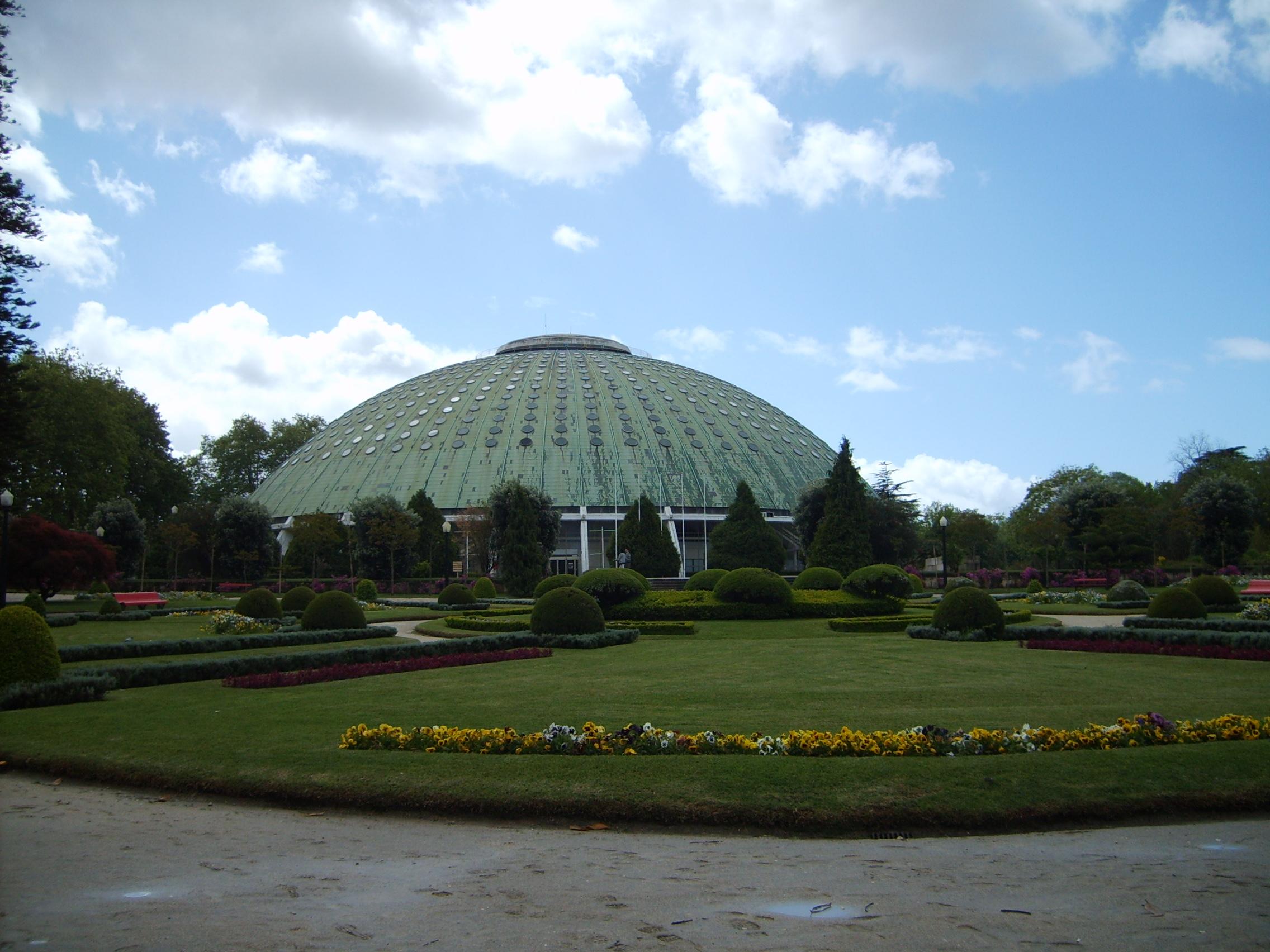 File rosa mota pavilion in the gardens of the crystal for Jardines del palacio de cristal oporto