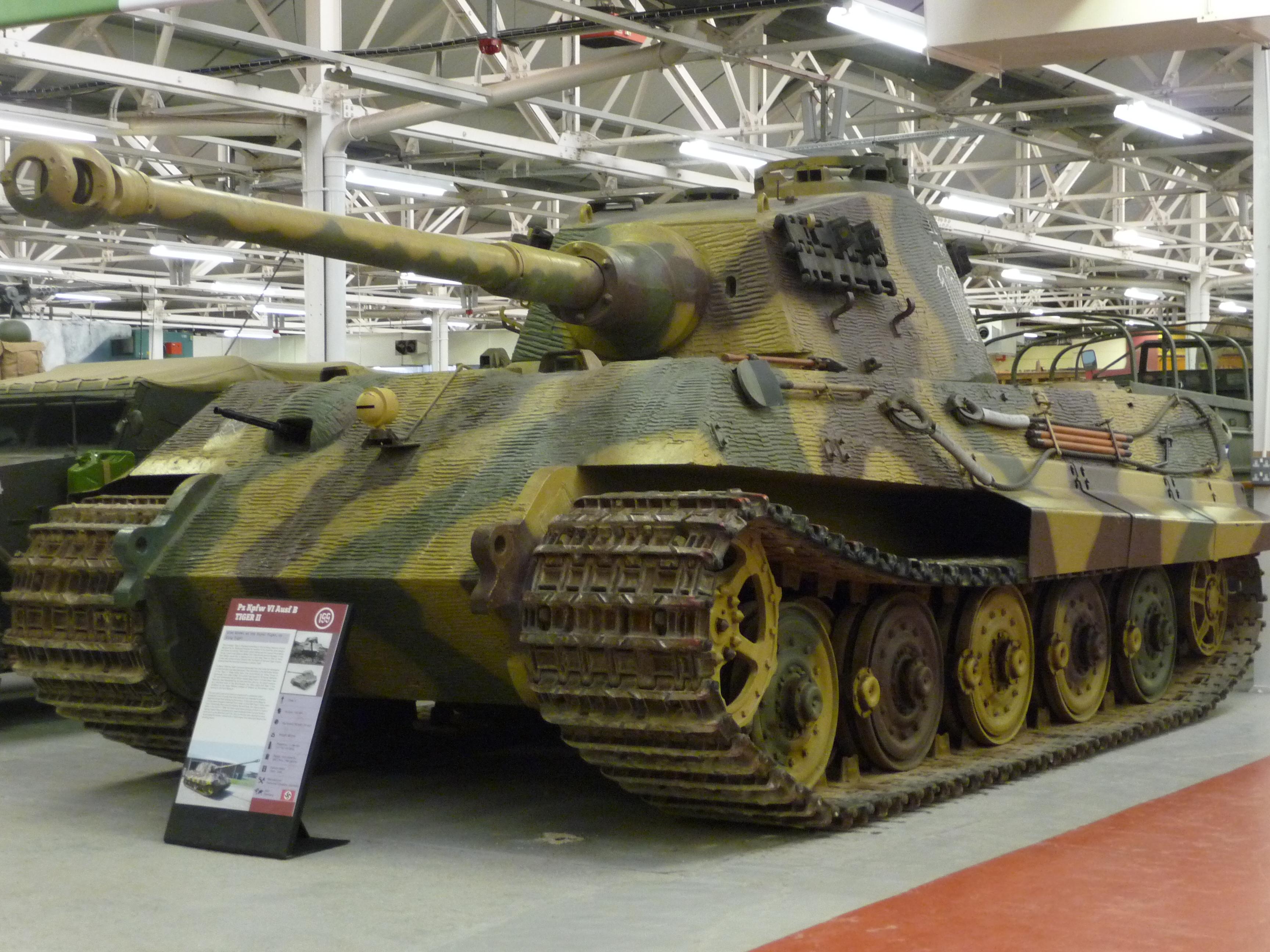 Sd Kfz 182 Panzerkampfwagen VI Ausf B (Tiger 2) (4536516314).jpg