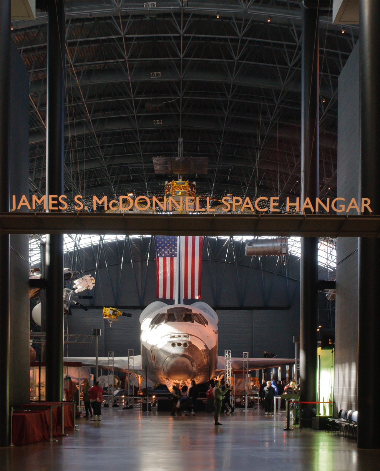 space shuttle discovery smithsonian - photo #11