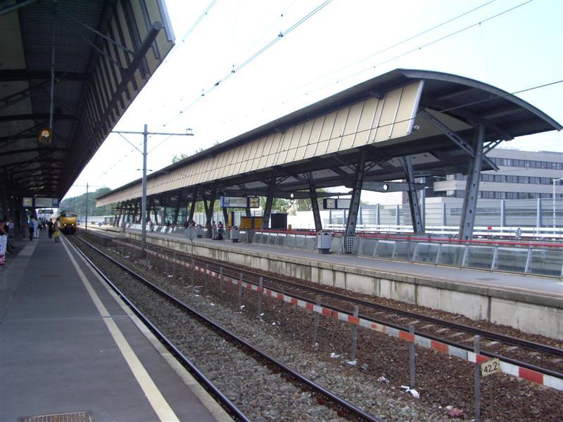 Rotterdam lombardijen railway station wikipedia for Lombardijen interieur rotterdam