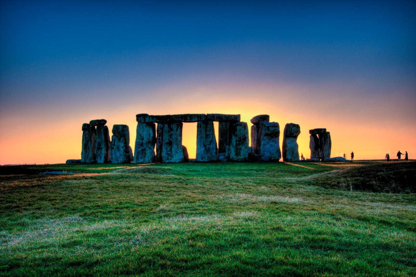 calenda y calende - Pagina 5 Stonehenge_in_HDR_02