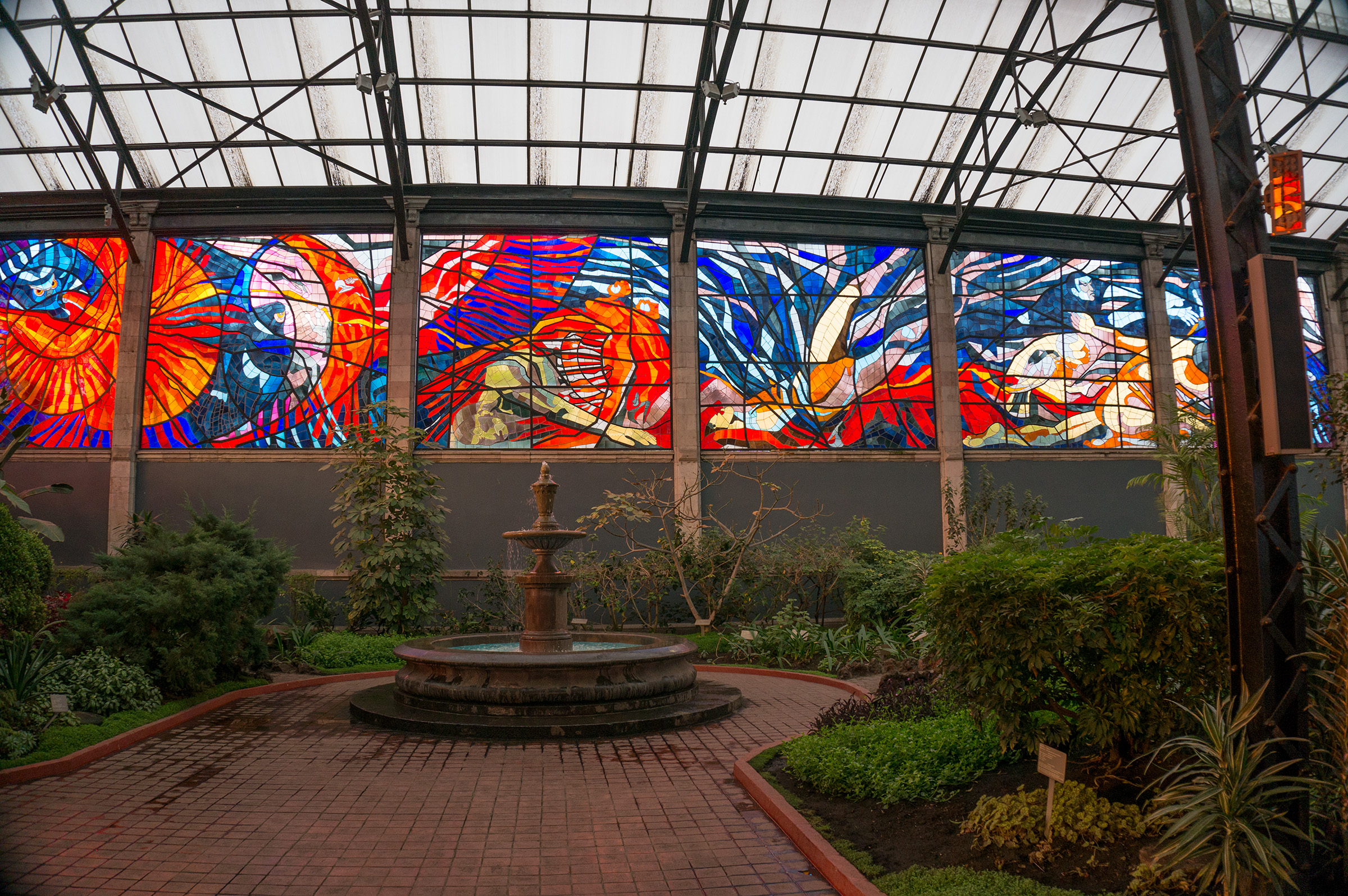 File The Magnificent Stained Glass Inside The Cosmovitral