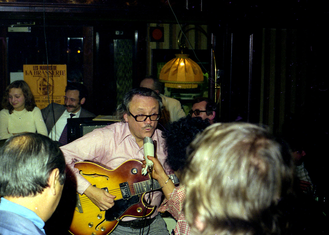 Toots actuando en La Brasserie en 1975