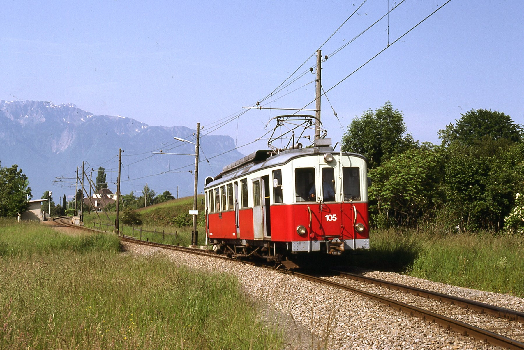 File trains vevey blonay les pl iades suisse 6287854437 for Les 3 suisses chaises