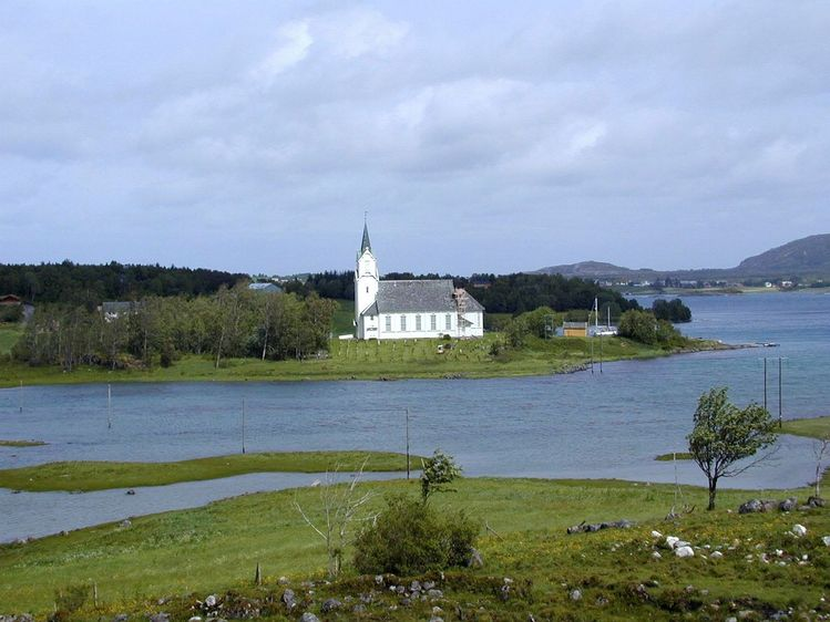 Vågøy kirke – Wikipedia