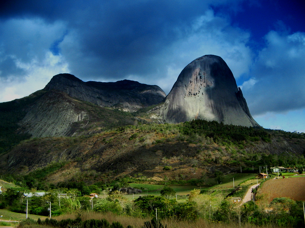 Pedra Azul State Park – Travel guide at Wikivoyage