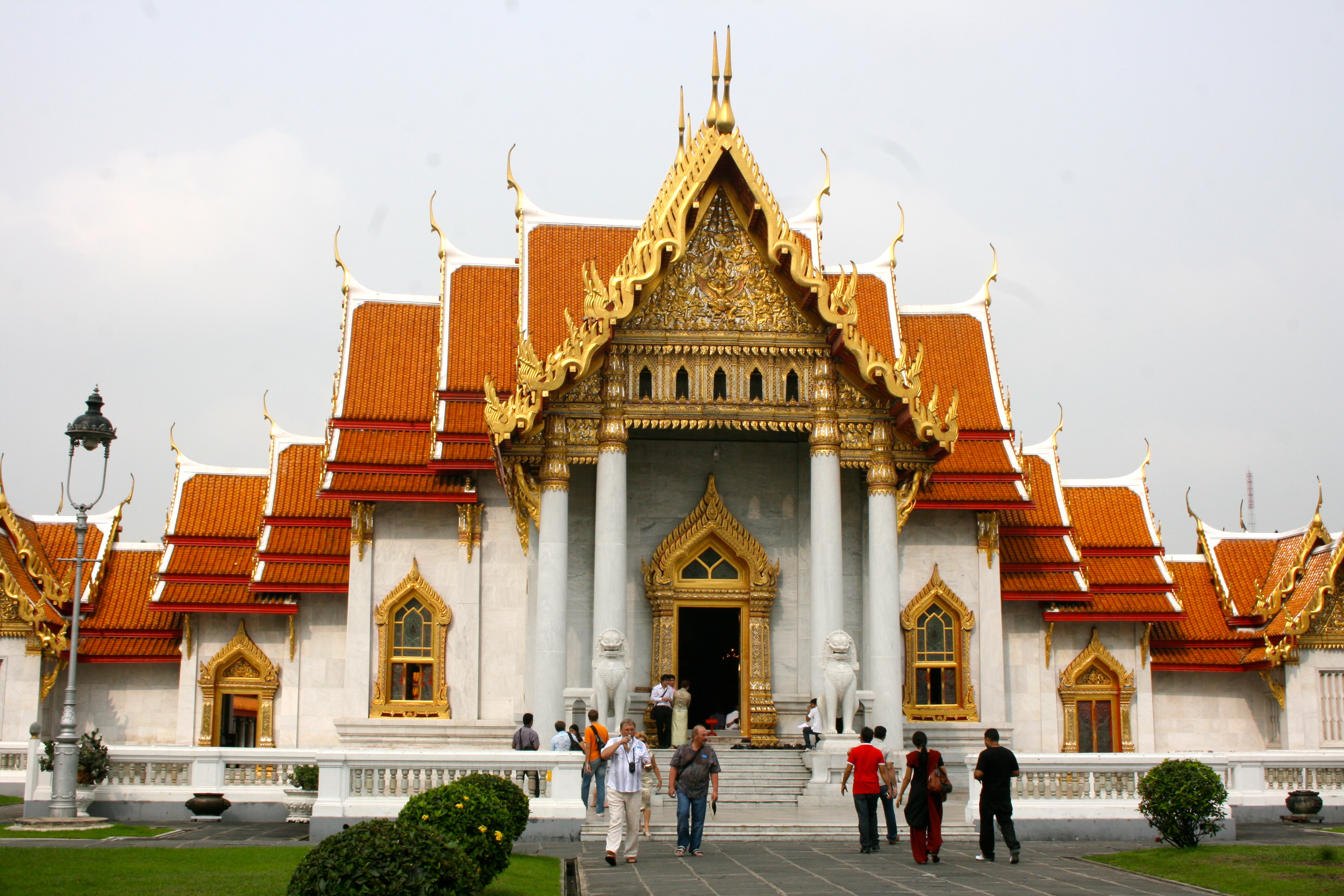 File:Wat Benchamabophit Temple, the marble temple (8281423949) (2).jpg - Wiki...