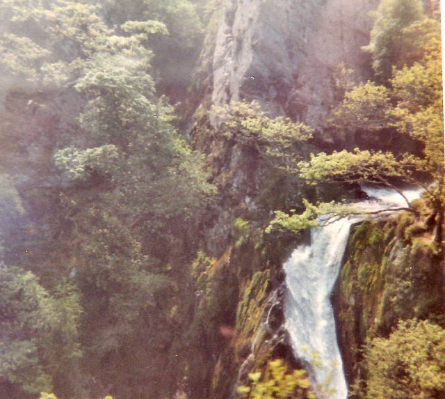 Waterfall above Llanberis - geograph.org.uk - 1192054