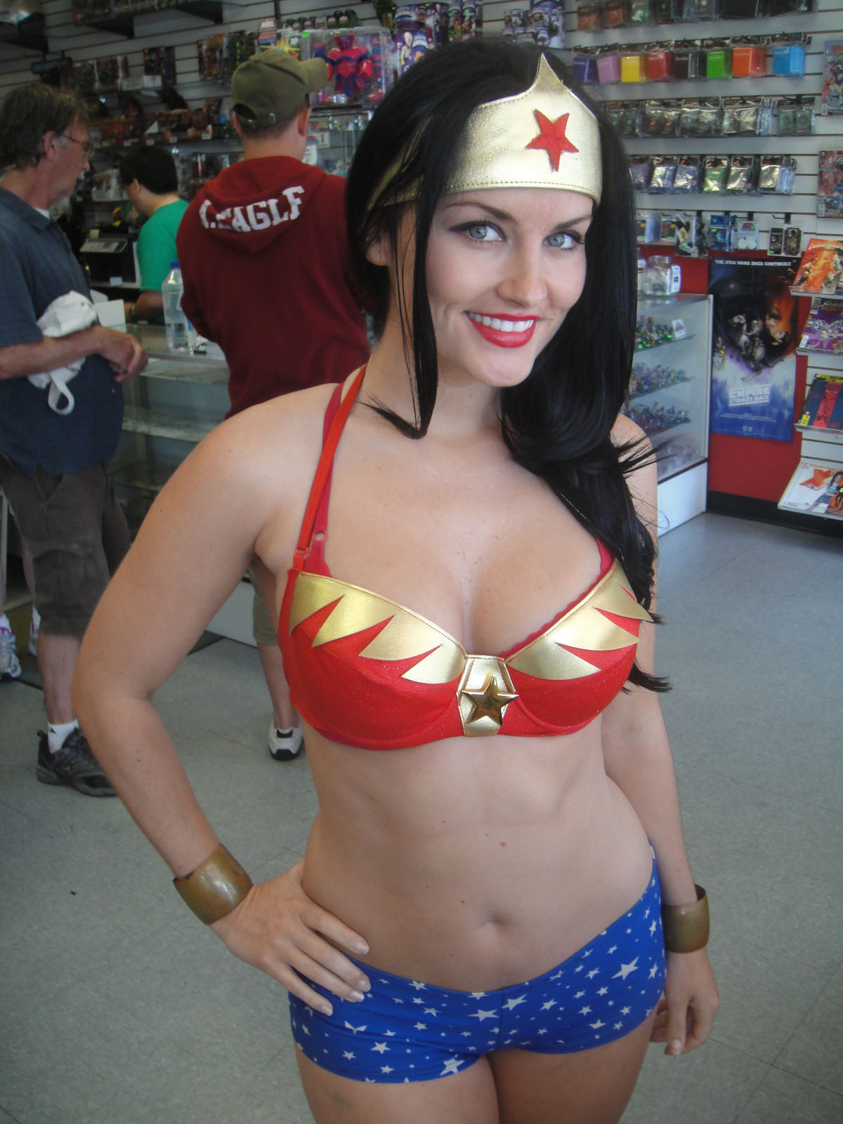 file wonder woman cosplayer free comic book day. Black Bedroom Furniture Sets. Home Design Ideas