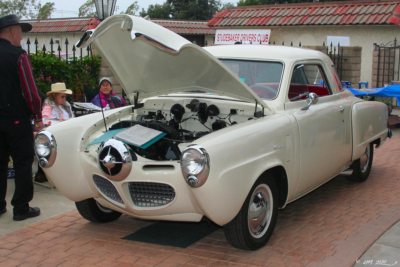 1950_Studebaker_Starlight_Coupe_-_white_