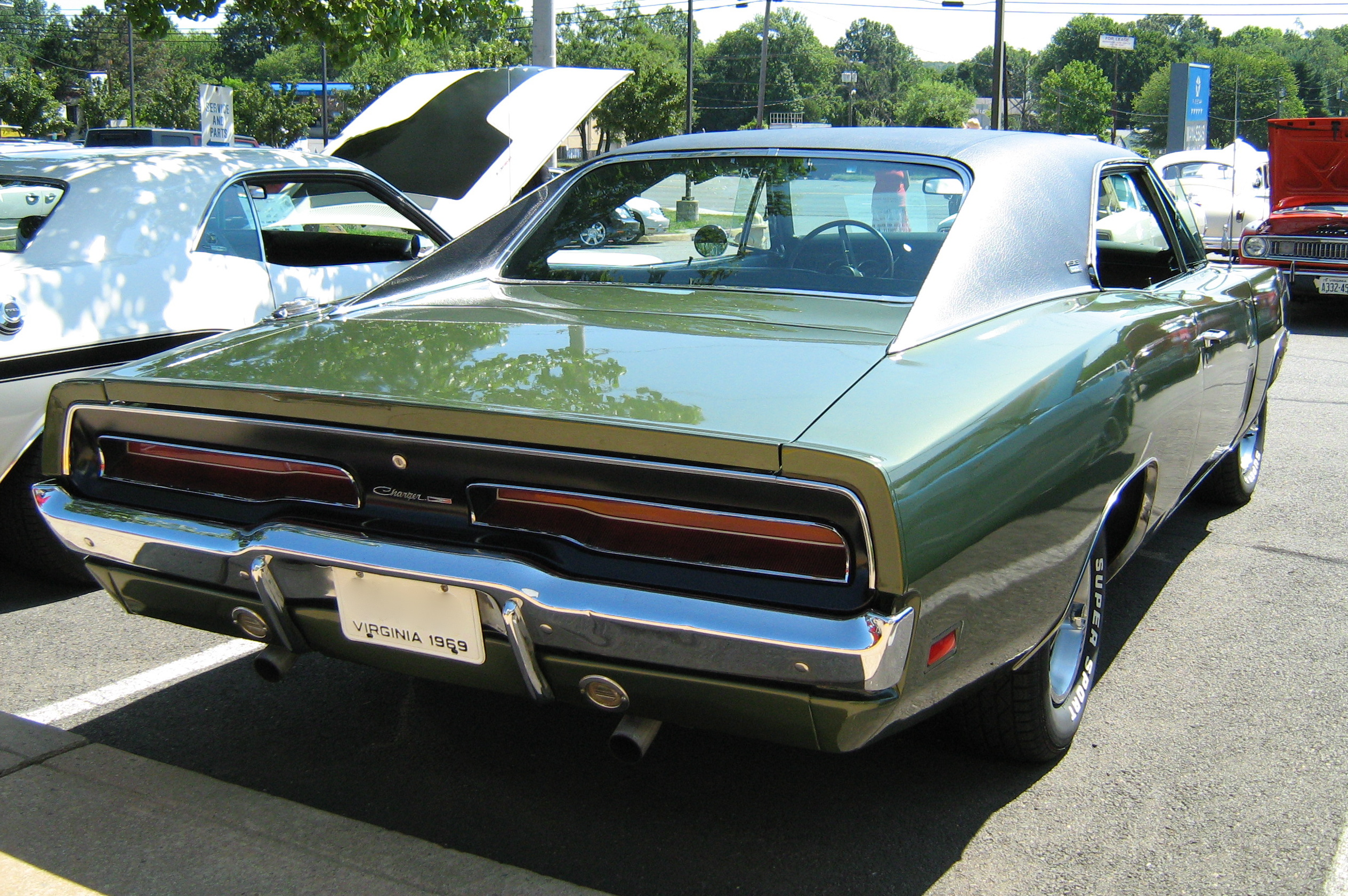 [Image: 1969_Dodge_Charger_green_R.jpg]