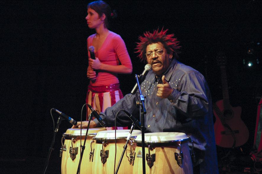 Rubén Rada en un concierto para niños en el Hotel Conrad de Punta del Este el 30 de julio de 2005.