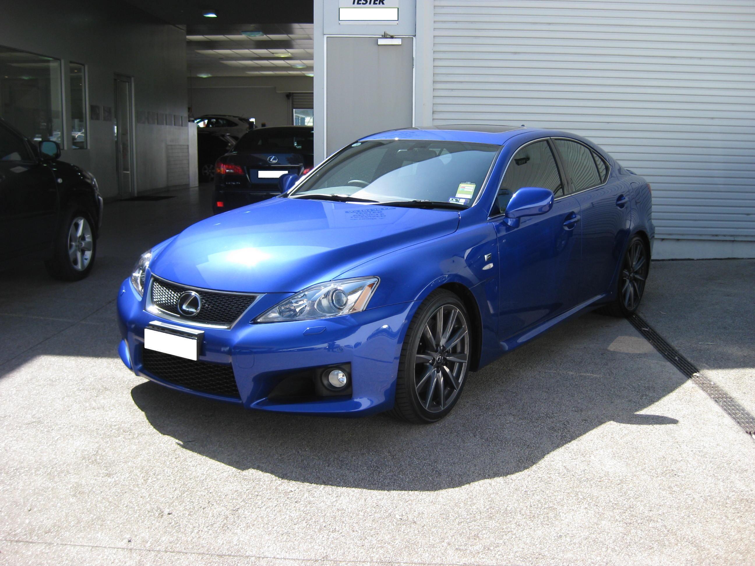 https://upload.wikimedia.org/wikipedia/commons/8/85/2008_Lexus_IS_F_%28USE20R%29_Sports_Luxury_sedan_01.jpg