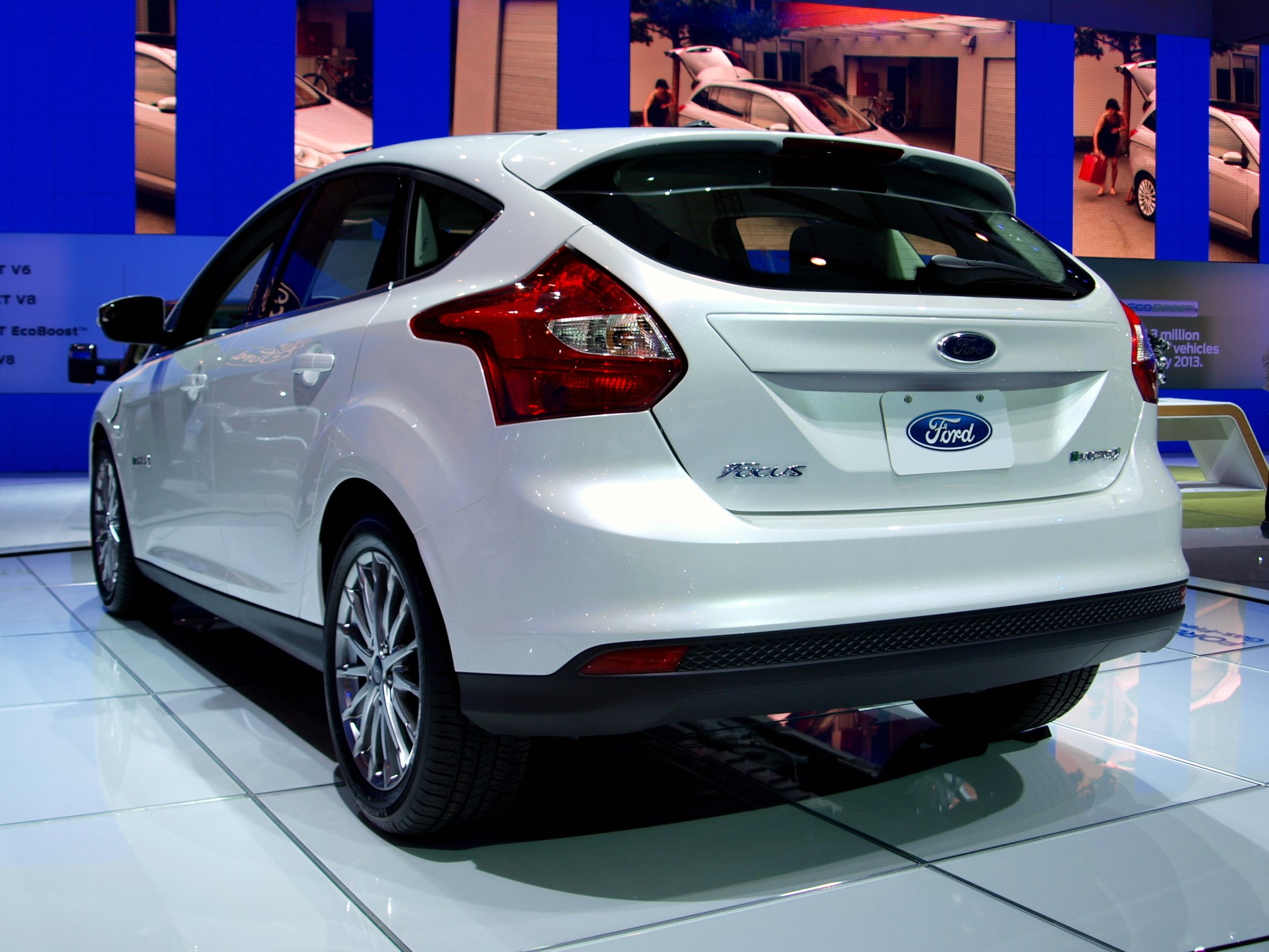 ford focus electric on electric cars. Black Bedroom Furniture Sets. Home Design Ideas