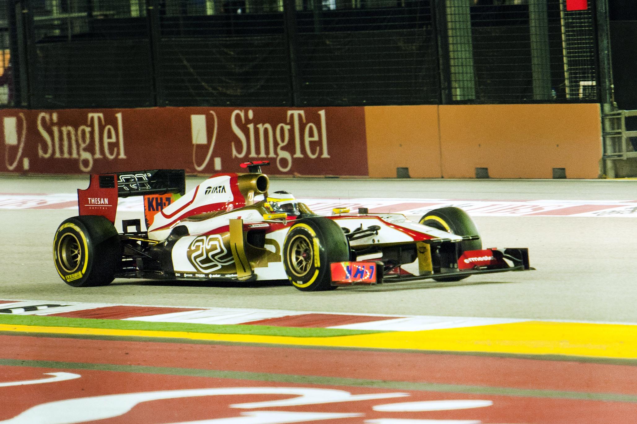 2012_Singapore_GP_-_de_la_Rosa.jpg