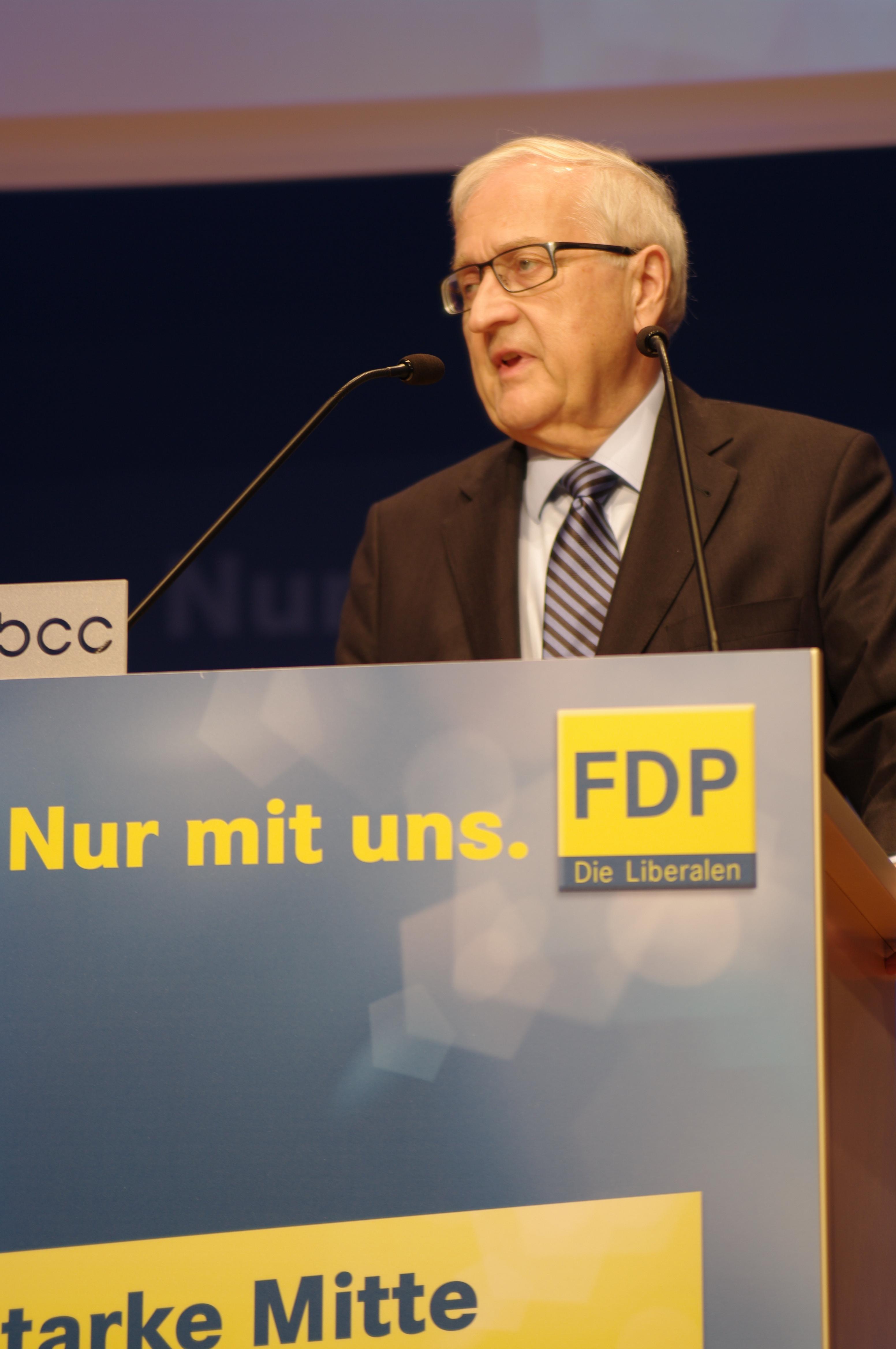 https://upload.wikimedia.org/wikipedia/commons/8/85/20130922_Bundestagswahl_2013_in_Berlin_by_Olaf_Kosinsky2660.JPG