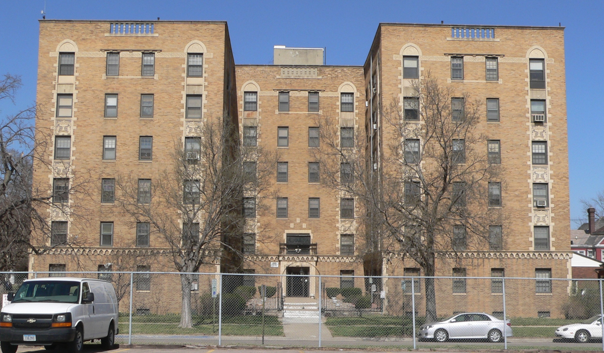 City Apartments file:alhambra apartments (sioux city) from s 1 - wikimedia commons