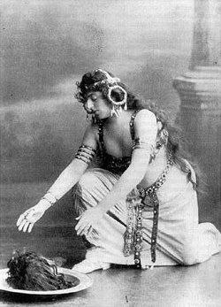 Alice Guszalewicz as Salome. For many years, this photo was thought to be of Oscar Wilde himself in costume.[12]